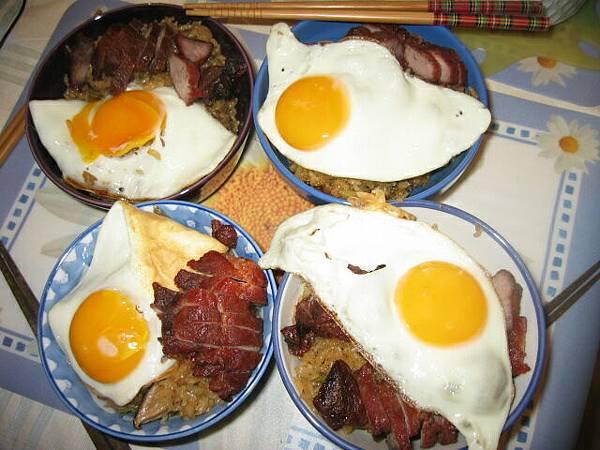 看看荷包蛋..多麼黯然..多麼銷魂阿!!