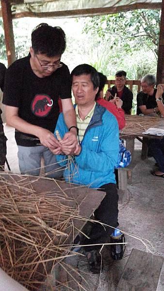 106年視障重機旅遊團-騎乘重機-編織草刀