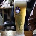 啤酒+檸檬蘇打,喝起來很順口又甜甜的