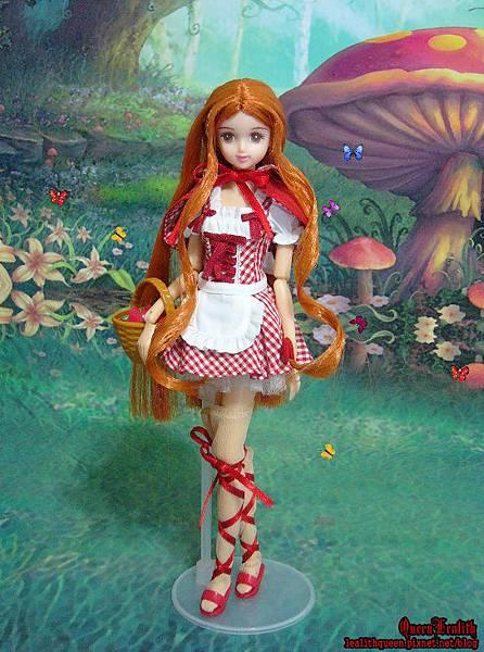 Little Red Riding Hood (2).jpg