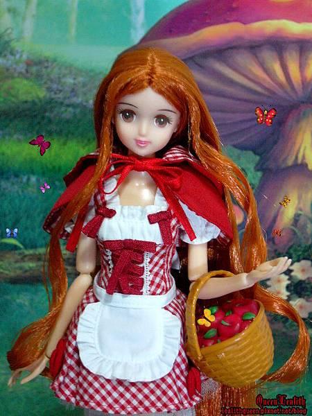 Little Red Riding Hood (3).jpg