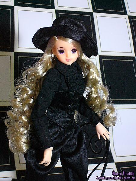 BLACK ERIKA006.jpg