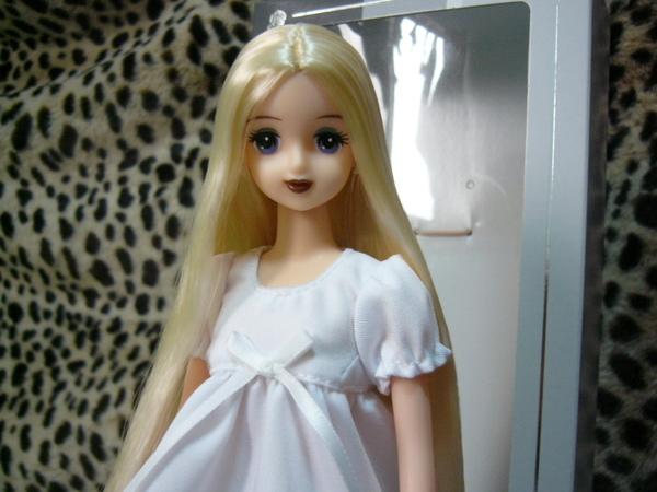 Doll 0812 003.jpg