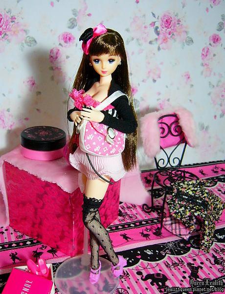 Pink Room Aya (7).jpg