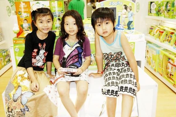 三個超可愛的小模特兒!