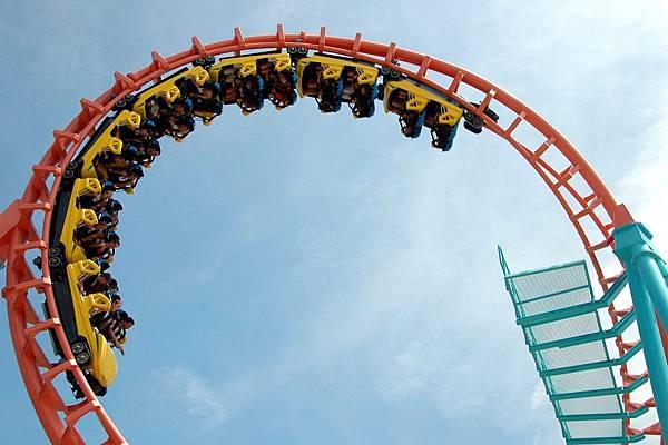 roller-coaster-1592917.jpg