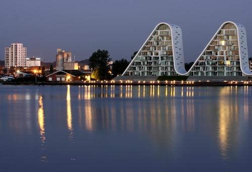 丹麥Vejie波浪住宅1706341858.jpg