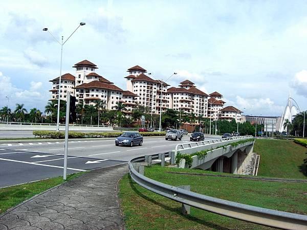 民國98.04.07-11西門子公司年度旅遊-馬來西亞綠中海-往太子城路上 (1).JPG