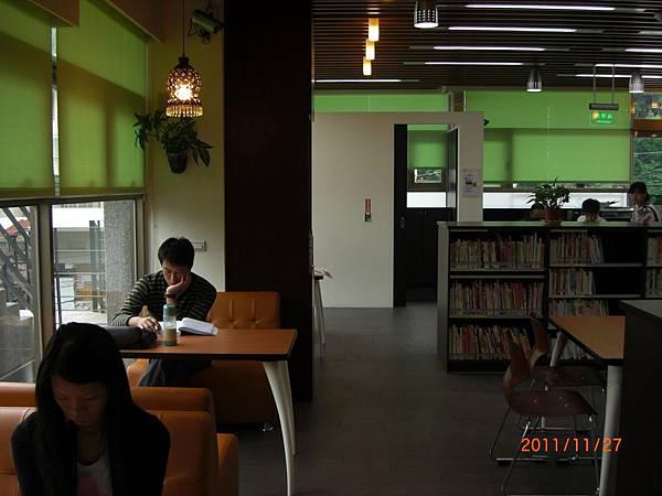 民國100.11.27新北市立圖書館樹林樂山閱覽室 (10).JPG