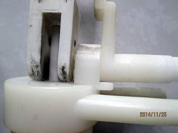它牌開飲機止水開關內部結構裝置 (1)