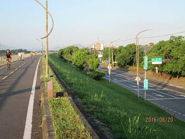 民國105.08.20大漢溪左岸自行車道板橋到樹林段 (23).jpg