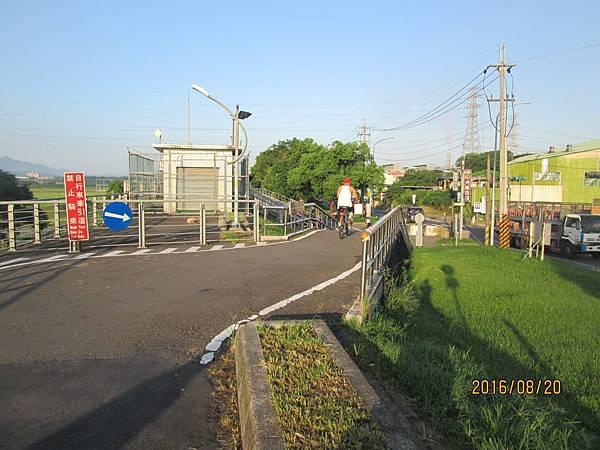 民國105.08.20大漢溪左岸自行車道板橋到樹林段 (31).jpg