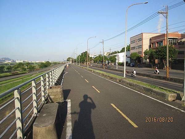 民國105.08.20大漢溪左岸自行車道板橋到樹林段 (42).jpg
