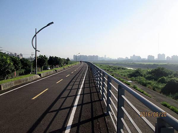 民國105.08.20大漢溪左岸自行車道板橋到樹林段 (48).jpg