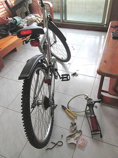 2016.10.05腳踏車變速器撥桿換新與調整前後變速器