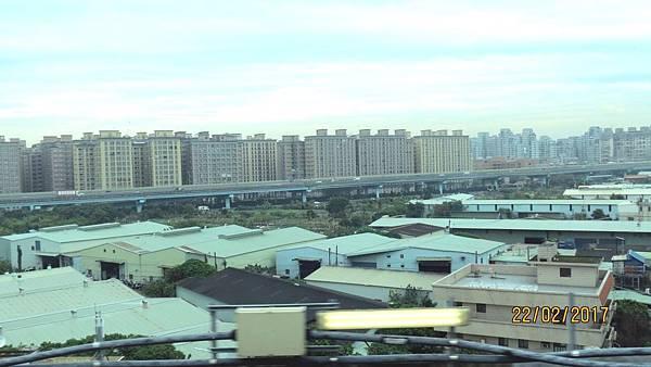 106.02.22桃園機場捷運‧華泰名品城 (35).jpg