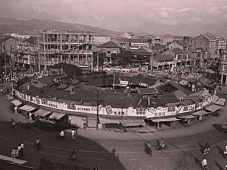 1963年間建成圓環一景(台北市市場處提供)