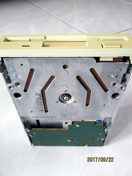 Panasonic JU-257A606P軟碟機3.5吋1.44MB Floppy Disk Dirve (6)
