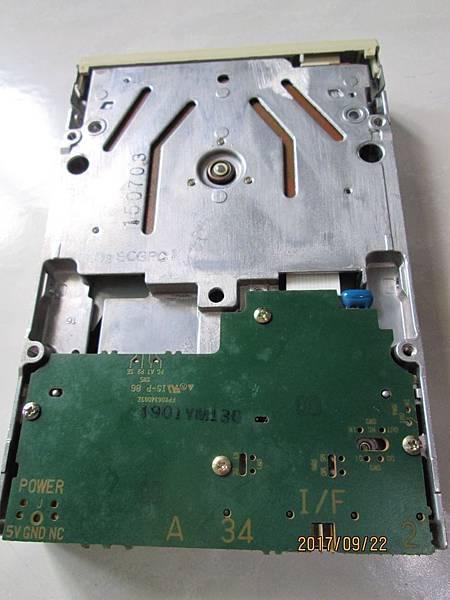 Panasonic JU-257A606P軟碟機3.5吋1.44MB Floppy Disk Dirve (7)