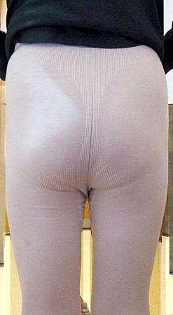 寒流來襲會加件女性冬季保暖褲襪