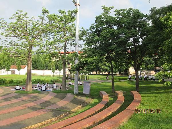 107.06.16早晨散步於板橋溪北公園 (9).jpg