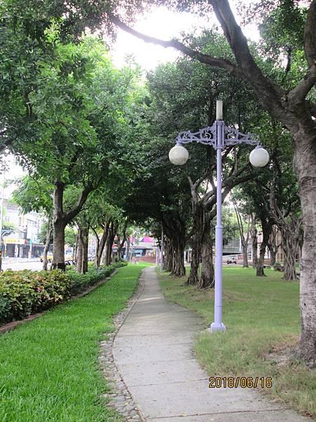 107.06.16早晨散步於板橋溪北公園 (19).jpg