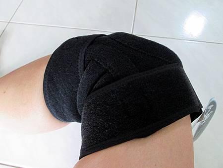2018.06.26LP 美國護具LP733CA 透氣式兩側彈簧條調整型護膝使用心得 (7)-膝蓋彎曲情形
