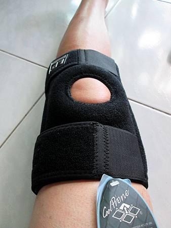 2018.06.26LP 美國護具LP733CA 透氣式兩側彈簧條調整型護膝使用心得 (16)-大腿能緊密包覆