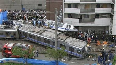 2005.04.25JR西日本公司快捷電車出軌重大交通事故(鏡週刊)