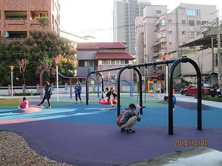 107.12.02騎Ubike到樹林東昇公園 (12).jpg