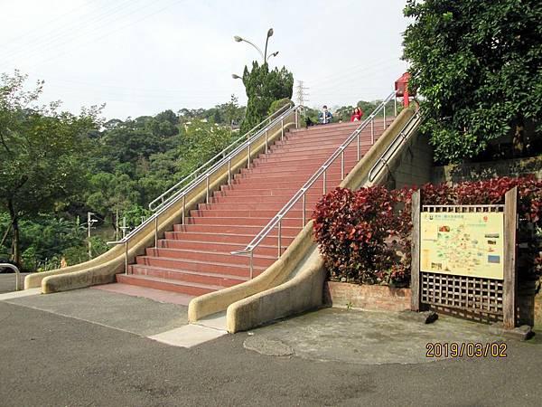 108.03.02樹林南寮福德宮附近散步 (8).jpg