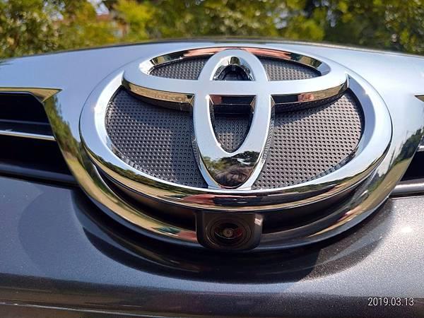 2018 Toyota Altis 環景系統四顆攝影機 (1)-車頭標誌下方