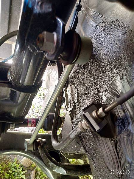 2018 Toyota Altis左前輪避震麥花臣懸吊系統 (4)