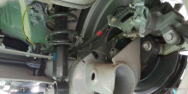 2018 Toyota Altis右後輪避震扭力梁懸吊系統 (11)