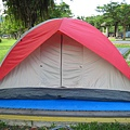 露營帳棚搭好了 6人帳 其實2個人睡剛好