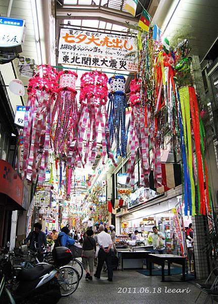 201106-- (3) 京都出町商店街 七夕掛飾