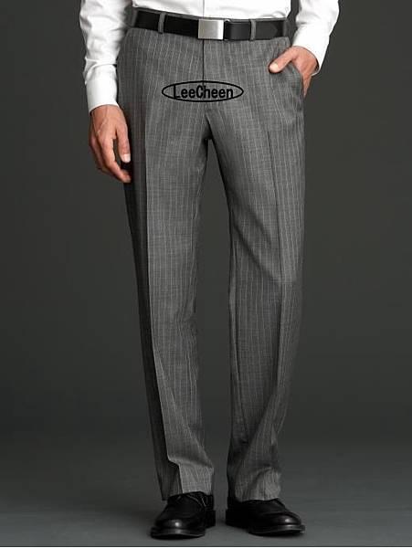 鐵灰色褲子