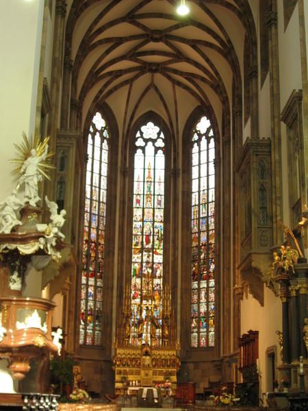 聖彼得 vs 聖保羅大教堂內