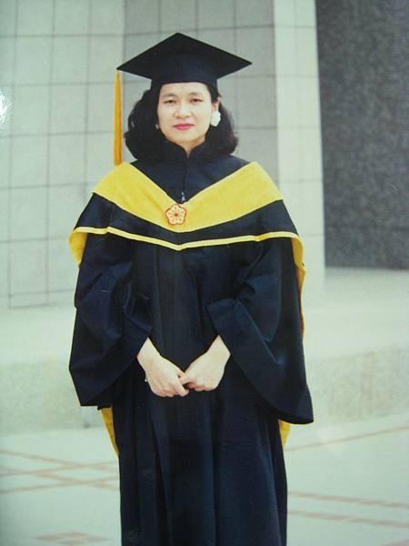 碩士畢業照