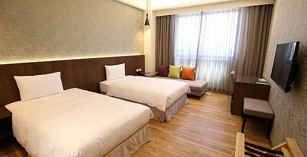 room1-1 (1)