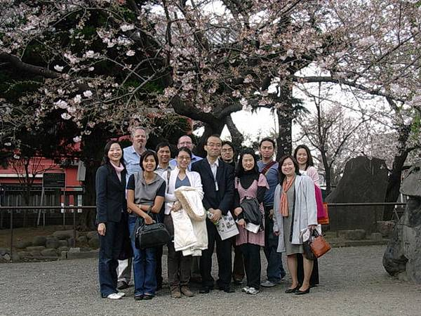 靖國神社--與所有與會者及工作人員