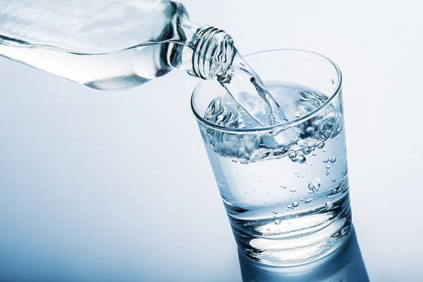 Health-Benefits-of-Drinking-Water.jpeg