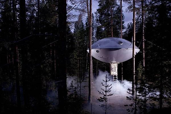 瑞典樹屋 THE UFO.jpg