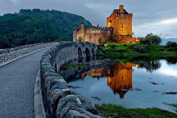 愛蓮·朵娜城堡.jpg
