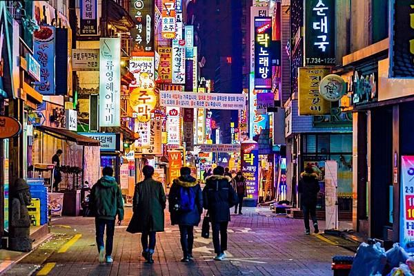 night-street-seoul-south-korea-shutterstock_578475466.jpg