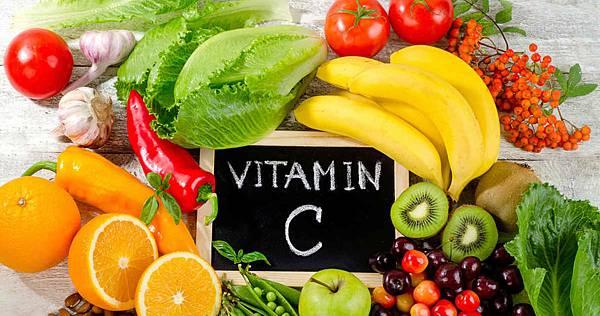 vitaminchaltig-ernaehrung-beitragsbild-petra-240918.jpg