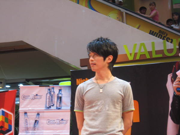 080302栋梁From Now On 演唱会签票会@Sungai Wang 134.jpg
