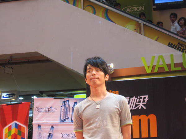 080302栋梁From Now On 演唱会签票会@Sungai Wang 145.jpg