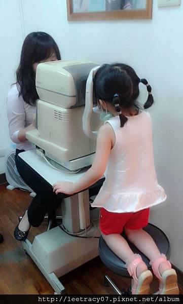 兒童視力保健~斜視~弱視~定期視力檢查