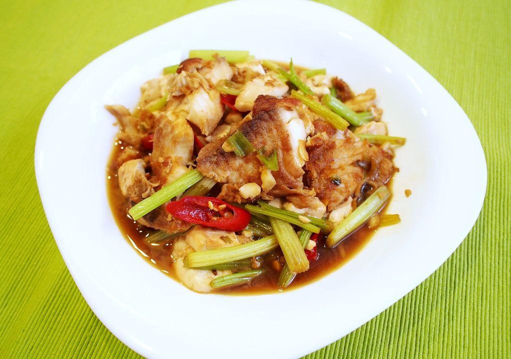 day039-午餐紅燒煎魚佐嫩豆腐2.JPG